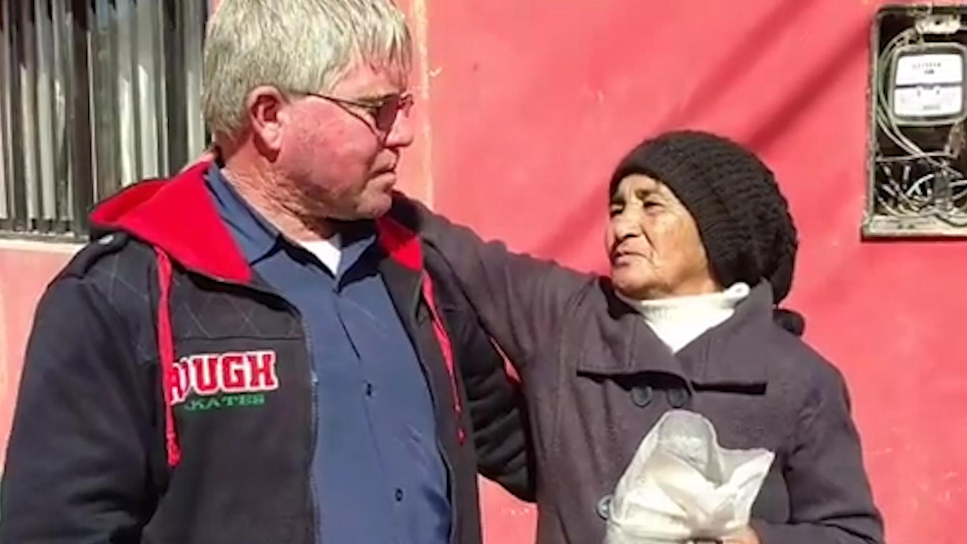 Hombre ganó auto en una rifa y lo donó para ir en ayuda de pequeña niña con cáncer