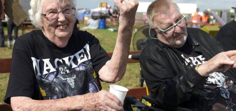 Dos abuelitos, escapan, asilo de anciano, festival de metal, Wacken Open Air